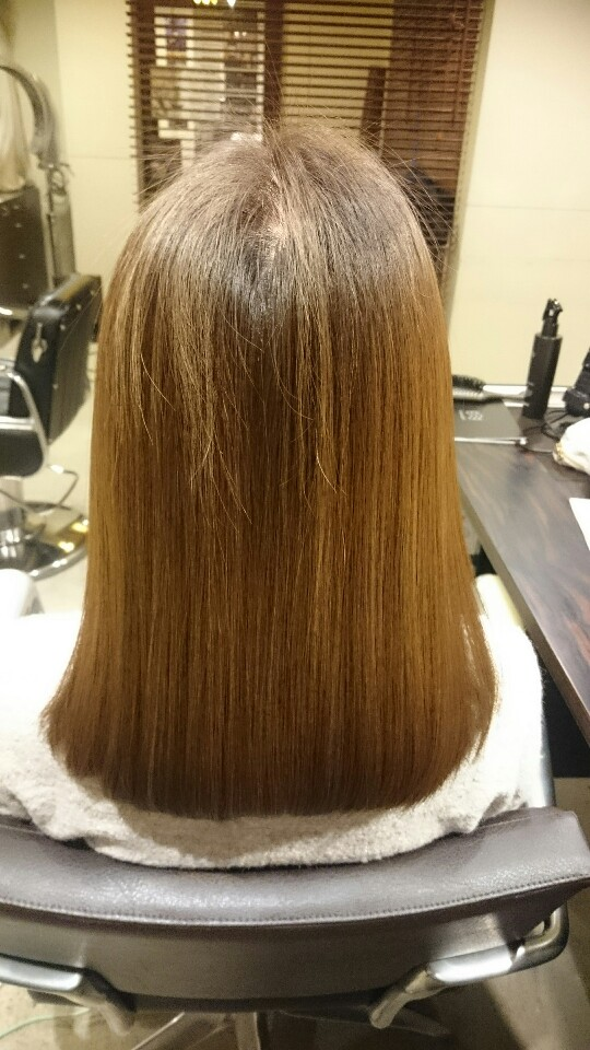 美髪TRIARLコース 質感矯正 髪質矯正 minecolla ミネコラ 9.0コース 施術前 クセ毛の改善・髪の広がり改善・ダメージの改善